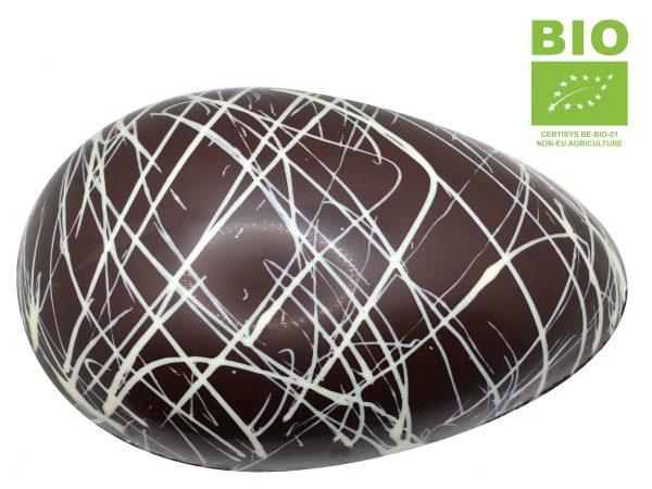 Gros oeuf en chocolat noir
